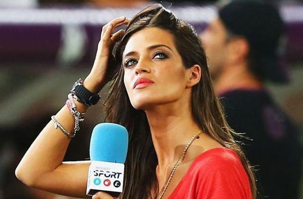 Brasil 2014: las 10 sexys reporteras que alborotan las calles cariocas