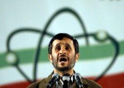 Atacan a zapatazos al presidente de Irán