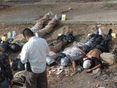 Autoridades iraquíes encuentran 900 cuerpos enterrados en fosa común