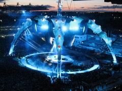 """Escenario construido para la gira """"360"""" de U2 será vendido al finalizar sus presentaciones"""