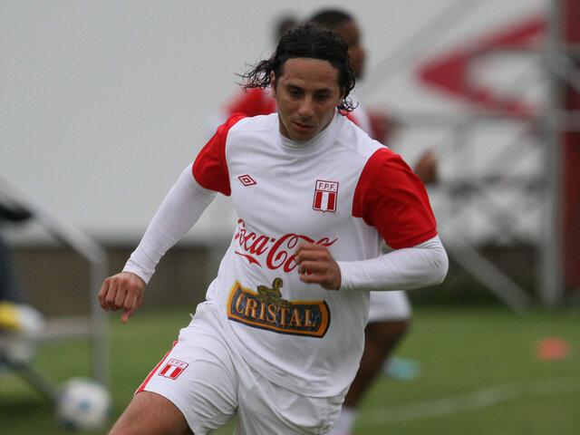 Claudio Pizarro destacó el desempeño de la selección ante Chile