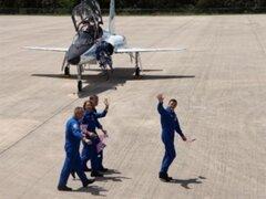 La NASA enviará a cuatro astronautas en la última misión del transbordador por seguridad