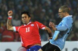 Chile abraza la segunda ronda de la Copa América tras empatar con Uruguay 1-1