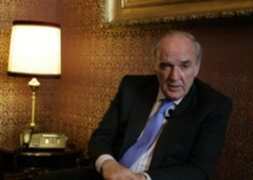 Gobierno pasó a situación de retiro al excanciller José Antonio García Belaunde