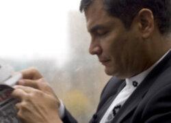 Presidente ecuatoriano Rafael Correa viajó a Cuba para dialogar con Hugo Chávez