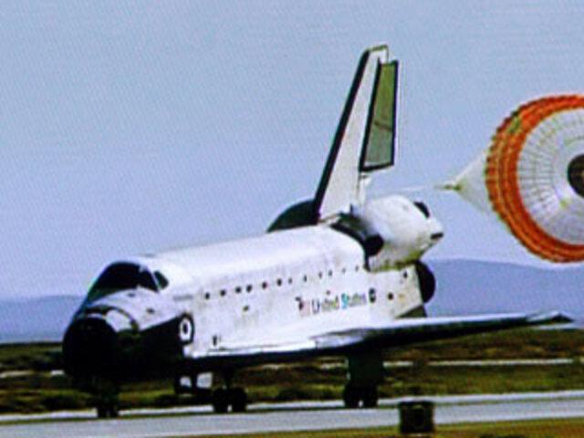 Transbortador espacial Atlantis volvió a la tierra tras misión de trece días