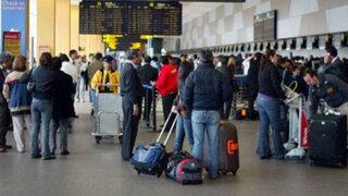 Continúa malestar de pasajeros de Peruvian Airlines varados en Cusco