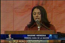 Primera dama Nadine Heredia asistió a ceremonia en el Minsa donde evitó hablar de política