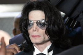 Continúa polémica por concierto en homenaje a Michael Jackson