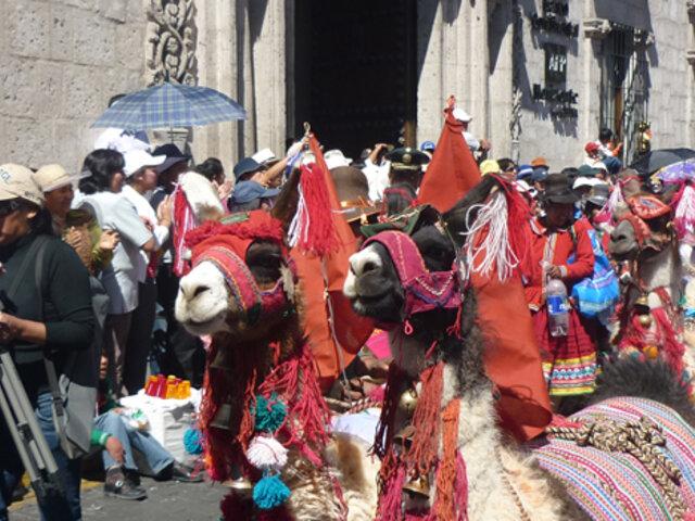 Arequipeños celebran por todo lo grande el aniversario de la Ciudad Blanca