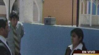 Funcionaria municipal cayó en Arequipa cobrando una coima