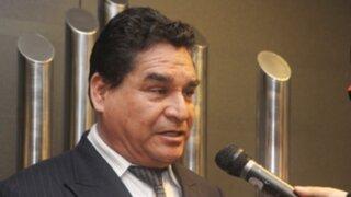 Congresista Amado Romero se presentó en la Comision de Etica