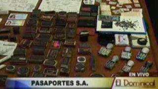 Falsificadores de pasaportes son detenidos por agentes de la policía en laboratorio clandestino