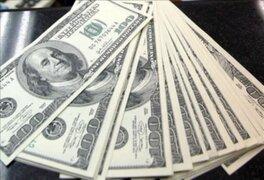 El dólar subió hasta S/.2,82, su nivel más alto en los últimos dos años