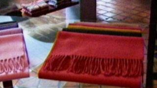 En Arequipa premian talento en arte textil y pintura