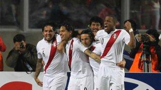 Selección peruana de fútbol viaja hoy a Santiago para el partido con Chile