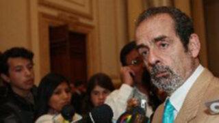 Vetan del velorio a congresistas que promovieron suspensión de Diez Canseco