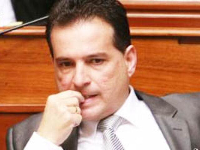 Gana Perú respalda a Chehade pero abandonó a Celia Anicama y Amado Romero