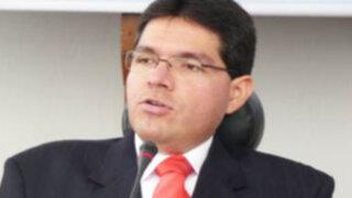 """Noticias de las 7: Virgilio Acuña llama """"cojo, manco y ciego"""" a Urtecho"""