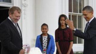 """Obama """"indultó"""" a dos pavos en la previa al Día de Acción de Gracias"""