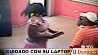 Videos muestran los métodos de los delincuentes para robar una Laptop en Lima