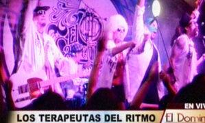Rock de los ochentas convertido en cumbia por Los Terapeutas del Ritmo