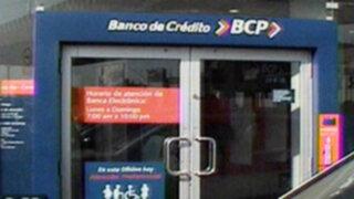 Delincuentes se llevan en tiempo record 16 mil soles de un banco