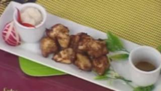 Cocinando chicharrón de pollo al estilo oriental