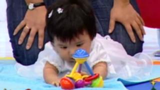 Enseña a tu bebé a controlar sus movimientos