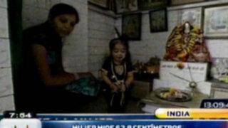 India: Mujer más pequeña del mundo mide apenas 62 centímetros