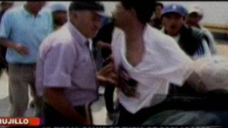 Trujillo: Presunto traficante de terrenos es azotado por ronderos