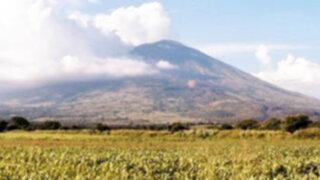 Ancash: Población está preocupada por humo y gases que emanan de volcán