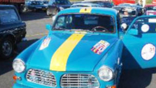 Turistas de Holanda cruzarán el Perú en 90 autos clásicos
