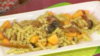 Cocina un delicioso plato italiano: tornillos de lindo verano