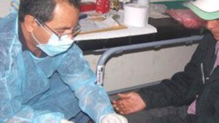Consulado peruano en Estados Unidos premia a médicos