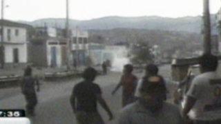 Ayacucho: pobladores defienden casa de comerciante que iba a ser embargada