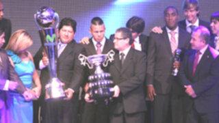 Clubes de provincias arrasaron con premios en noche de gala del fútbol