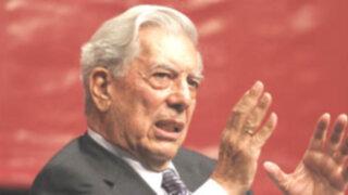 Mario Vargas Llosa dona biblioteca personal en Arequipa