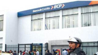 Policía frustra robo de agencia del BCP en la avenida Washington