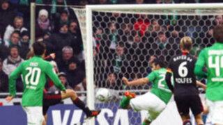 Claudio Pizarro anota en la igualdad entre el Bremen y el Leverkusen