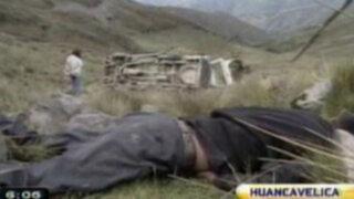 Huancavelica: caída de combi a abismo deja cinco muertos y varios heridos