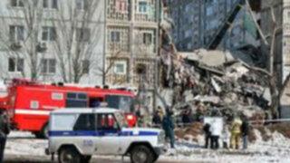 Rusia: derrumbe de edificio deja cinco muertos y decenas de heridos