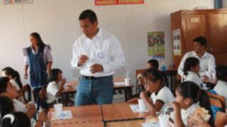 """Presidente Humala recibe lección de """"lavado de manos"""" en la apertura del año escolar"""