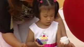 Ayuda a tu bebé a coordinar los movimientos de sus manitos