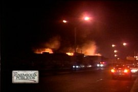 Alerta en Breña por incendio en almacén del Ministerio de Educación