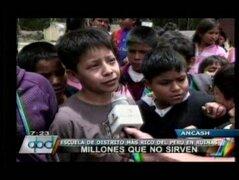Áncash: colegios se caen a pedazos y niños desnutridos en distrito más rico del país