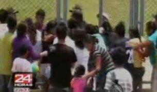 Mujeres golpean a árbitro y a juez de línea en partido de la Copa Perú