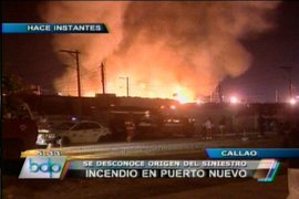 Incendio de proporciones consume 30 casas de Puerto Nuevo en el Callao