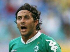 Pizarro se despide de los hinchas del Bremen y el destape de Claudia Rivero