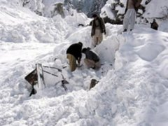 Paquistán: confirman que alud de nieve sepultó a 124 soldados y 11 civiles